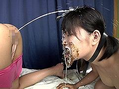 240x180食糞スカトロレズ浣腸汁顔面洗顔